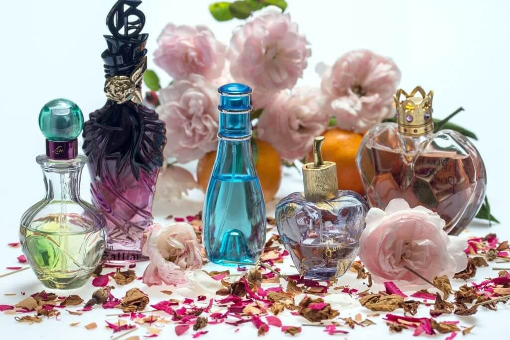 sunt-originale-parfumurile-de-pe-elefant-1024x683